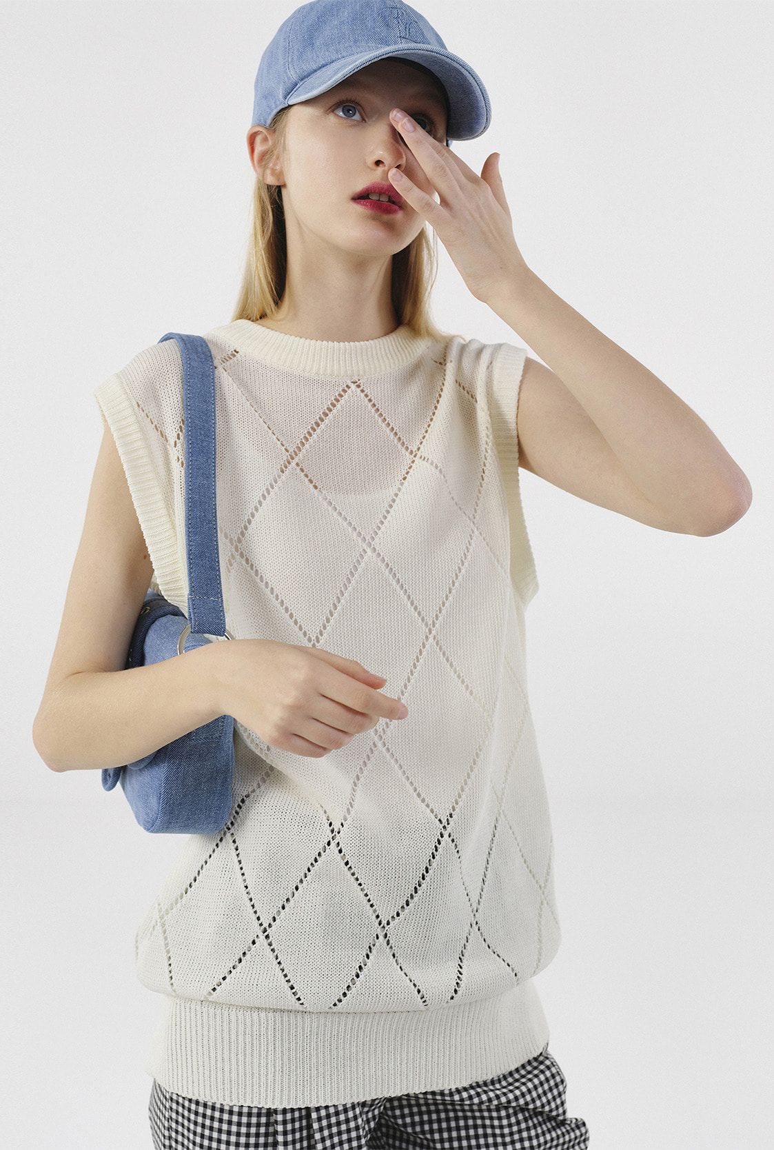 R ARGYLE PUNCHING KNIT VEST_CREAM