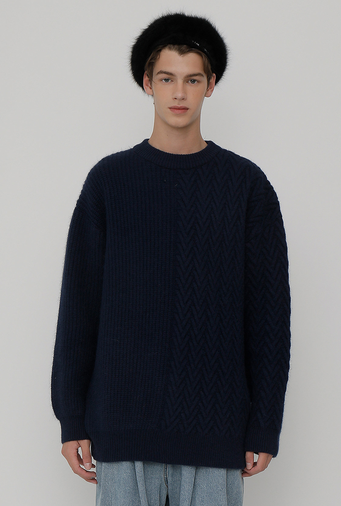 [이재욱 착용] M)R V CABLE KNIT_NAVY