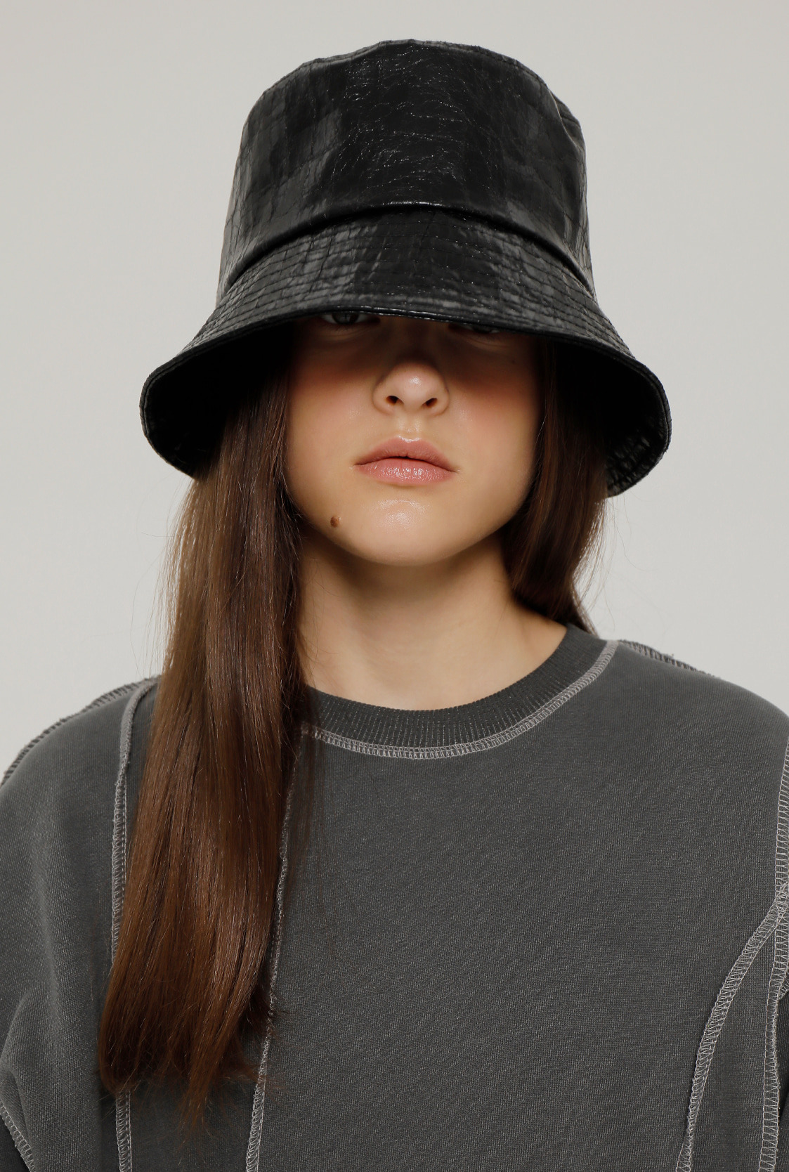 R ECO LEATHER BUCKET HAT [2colors]